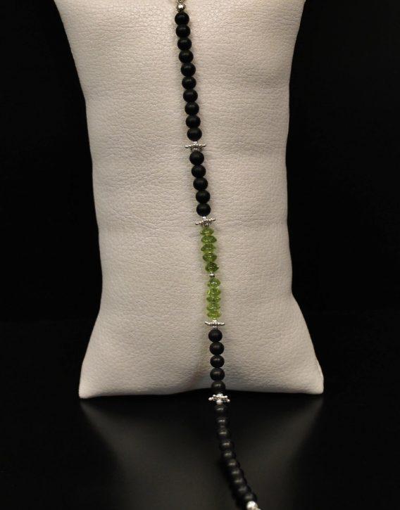 lava, olivine and star beads bracelet details